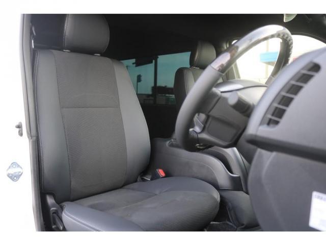 買取直販 6型 ダークプライムII ディーゼル 2WD ローダウン 17インチアルミホイール マフラーカッター ナビ バックカメラ ETC ロッドホルダー エンジンフードカバー 3Dラバーマット(11枚目)