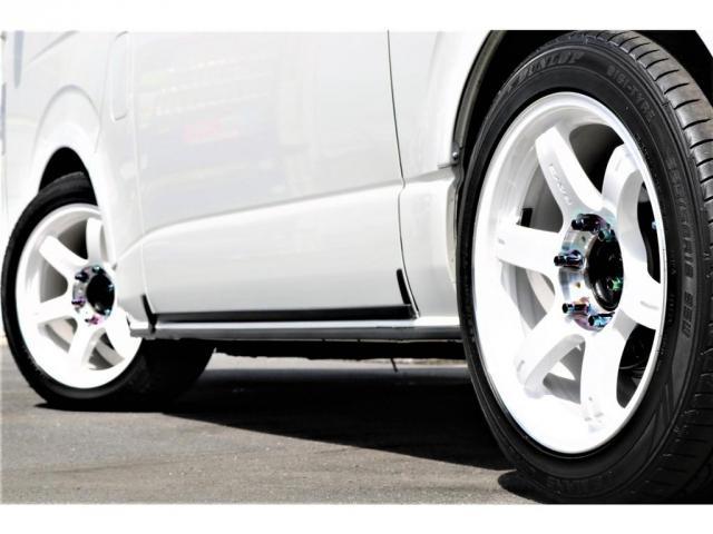 スーパーGL ダークプライム 買取直販 4型 ダークプライム ディーゼル 4WD パールホワイト 両側パワースライドドア 助手席エアバッグ 100Vアクセサリーコンセント 寒冷地仕様 ミラーヒーター 内外装フルカスタム(9枚目)