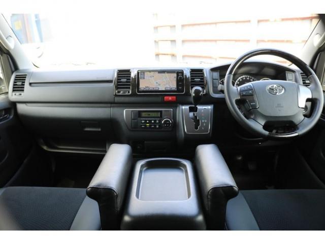 スーパーGL ダークプライム 買取直販 4型 ダークプライム ディーゼル 4WD パールホワイト 両側パワースライドドア 助手席エアバッグ 100Vアクセサリーコンセント 寒冷地仕様 ミラーヒーター 内外装フルカスタム(12枚目)