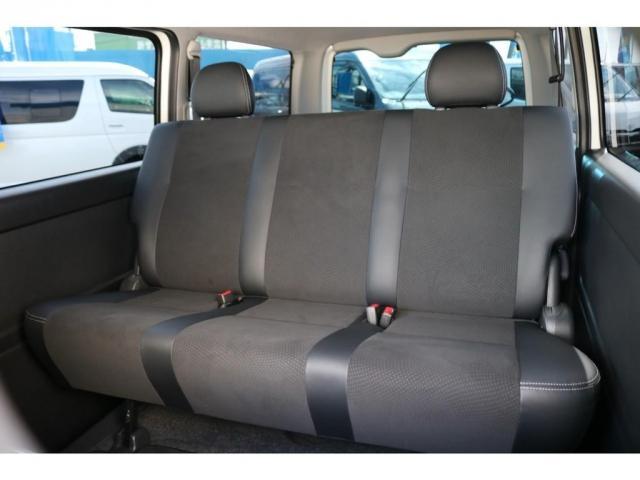 スーパーGL ダークプライム 買取直販 4型 ダークプライム ディーゼル 4WD パールホワイト 両側パワースライドドア 助手席エアバッグ 100Vアクセサリーコンセント 寒冷地仕様 ミラーヒーター 内外装フルカスタム(16枚目)