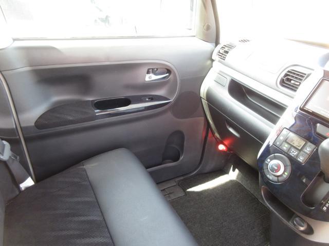 カスタムX トップエディションリミテッドSAIII ワンオーナー LEDヘッドライト 禁煙車 ナビ ドライブレコーダー 両側パワースライドドア プッシュボタンスタート スマートキー オートライト 純正アルミ 衝突回避支援システム搭載 フォグランプ(15枚目)