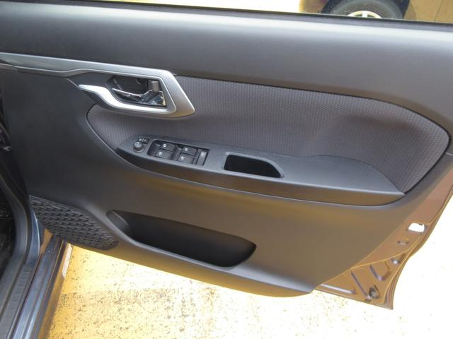 カスタム X SAII ワンオーナー 禁煙車 記録簿 LEDヘッドライト 衝突回避支援システム搭載車 ナビ プッシュボタンスタート オートライト スマートキー 純正アルミ(15枚目)