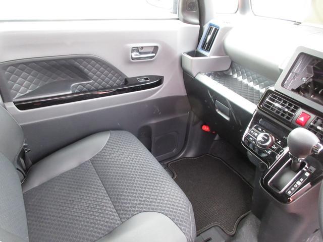 カスタムX ツートンカラー 次世代スマートアシスト 両側パワースライドドア LEDヘッドライト オートライト スマートキー プッシュボタンスタート LEDフォグランプ レーンアシスト オートマチックハイビーム車(17枚目)