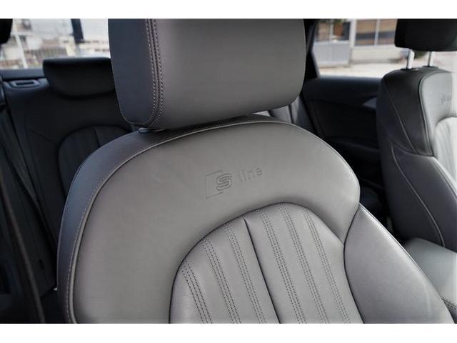 高級車にふさわしい上質なS-Lineロゴ入りブラックレザーシート☆シートコンデション良好です☆