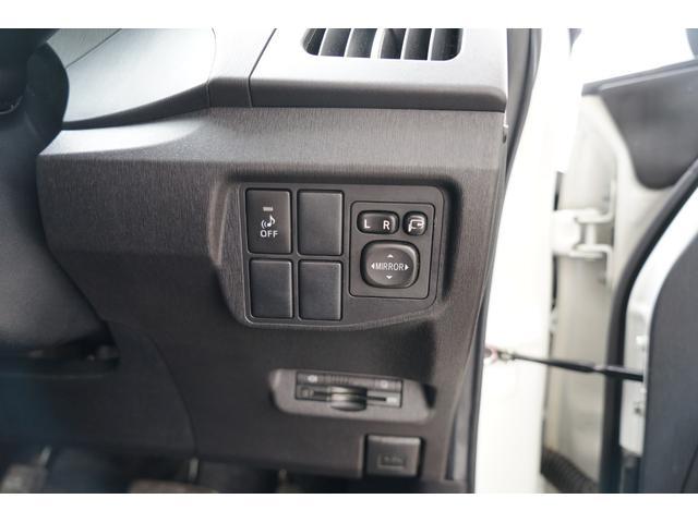 電動格納式ドアミラースイッチ装備☆