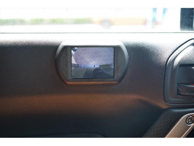 助手席ドア側面には車輌左前方がモニターで確認できるサイドモニター装備☆