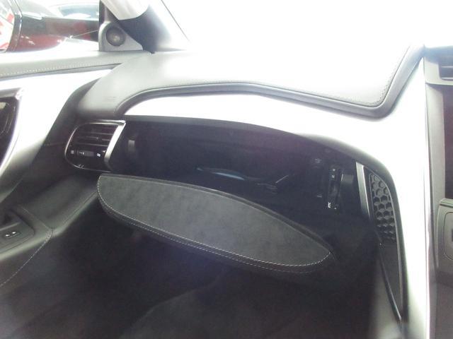 ベースグレード 4WD ナビ ETC LED Bカメラ 革(15枚目)