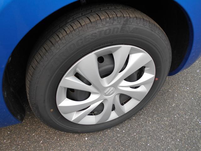 15インチフルホイールキャップが付属しています。タイヤの溝もたっぷり。状態良好です。