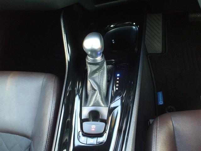 「トヨタ」「C-HR」「SUV・クロカン」「山口県」の中古車12