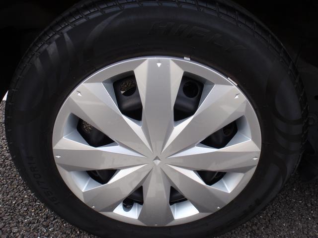 14インチホイール・タイヤの溝もしっかりあります!!