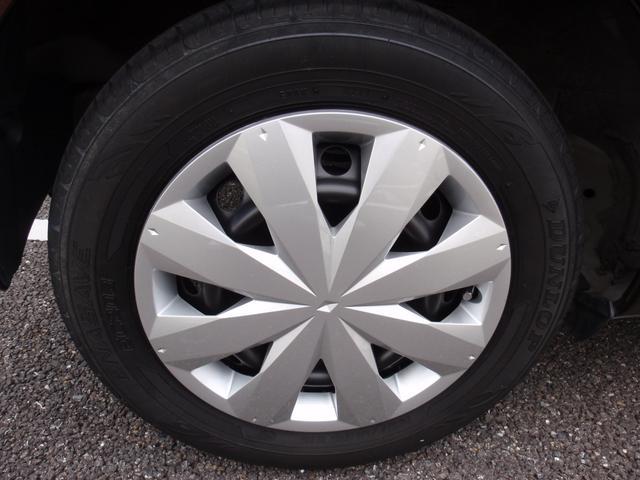 純正14インチホイール・タイヤの溝もしっかりあります。