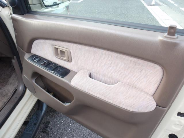 運転席内張りも綺麗な状態です!!