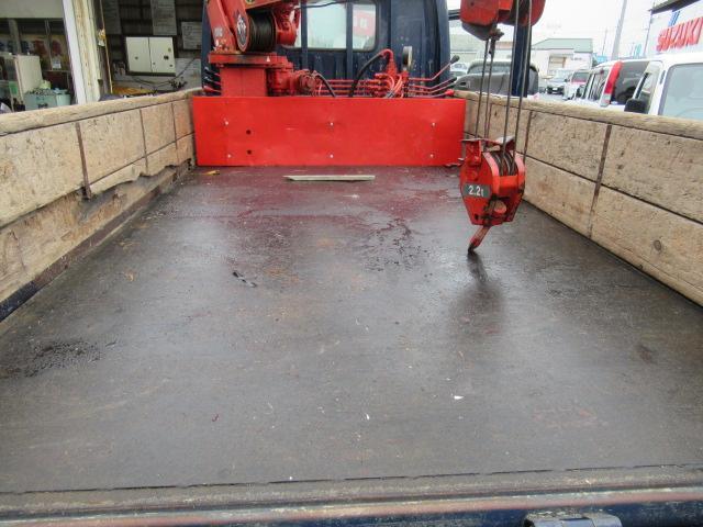 マツダ タイタントラック 横向きクレーン積載量3トン4段ブーム
