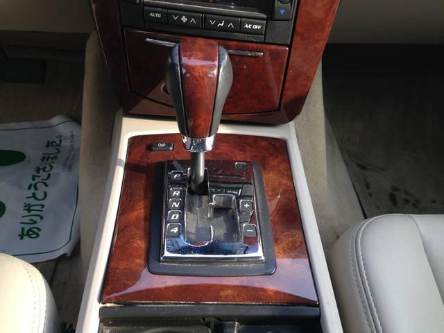 キャデラック キャデラック SRX 4.6L 4WD  DVDナビ 左ハンドル ディーラー車