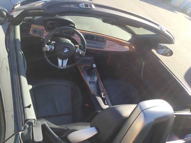 BMW BMW Z4 3.0i 左H SMG 黒革シート電動オープン