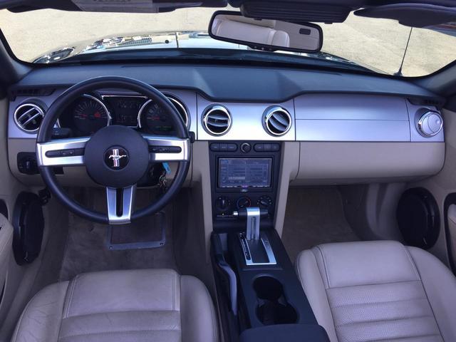V8 GTコンバーチブル プレミアム D車 HDDナビTV(2枚目)