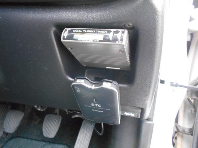 WRX STiバージョンIII 5MT 4WD ETC(8枚目)
