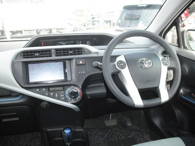 トヨタ アクア S SDナビ フルセグTV Rカメラ ETC 1オーナー車