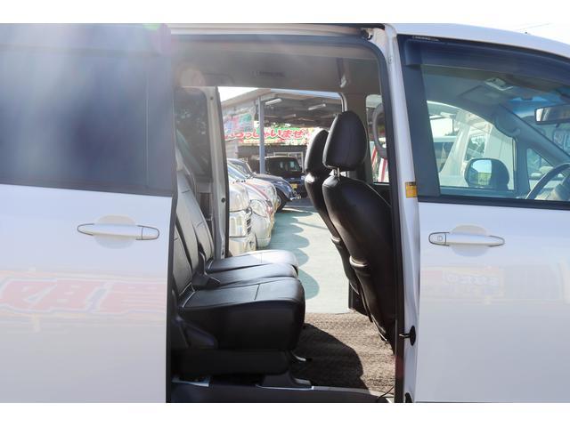 トヨタ ヴォクシー Z 電動スライドドア SDナビ ETC 16インチアルミ