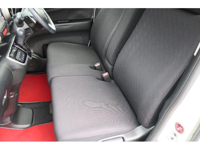 鈑金ブースも完備しております。知識と経験豊かなプロがお客様の傷ついたお車を綺麗に修理致します!