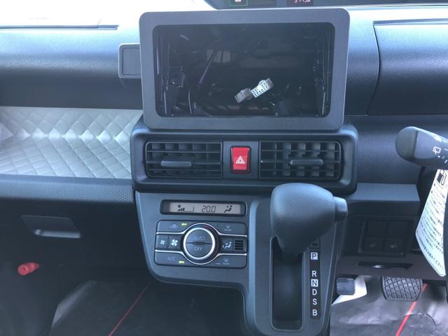 X 4WD 衝突被害軽減システム 左電動スライドドア クリアランスソナー オートライト キーフリー アイドリングストップ 電動格納ミラー シートヒーター ベンチシート 盗難防止システム(3枚目)