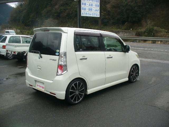 「スズキ」「ワゴンRスティングレー」「コンパクトカー」「鳥取県」の中古車16