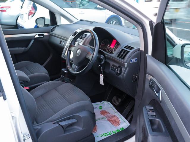 フォルクスワーゲン VW ゴルフトゥーラン TSI ハイライン 純正ナビ キセノン ルーフレール ETC