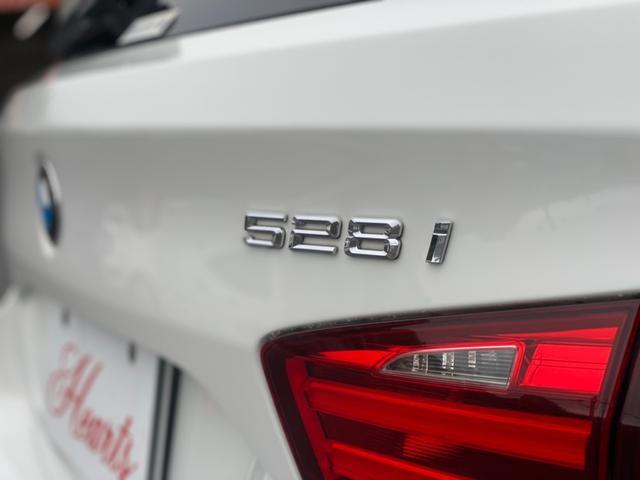 528iツーリング Mスポーツパッケージ 純正ナビ フルセグTV 黒革シート シートヒーター 外21インチアルミ 車高調 サンルーフ クリアランスソナー ETC Bカメラ プッシュスタート(4枚目)