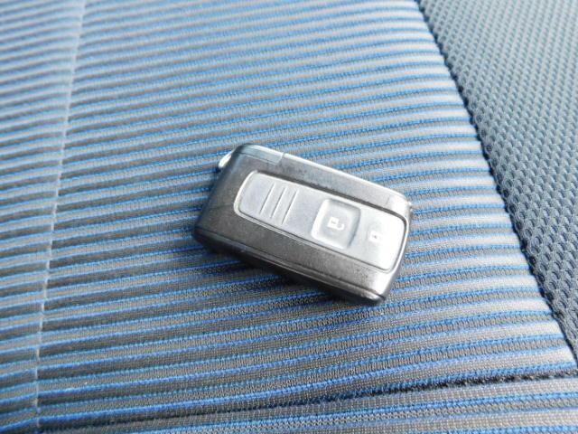 カスタム Rリミテッド 修復歴無し ナビTV スマートキー ETC 15インチアルミ 両席エアバッグ ABS 衝突安全ボディ 盗難防止システム HIDライト ベンチシート CDデッキ 車検整備付き(21枚目)