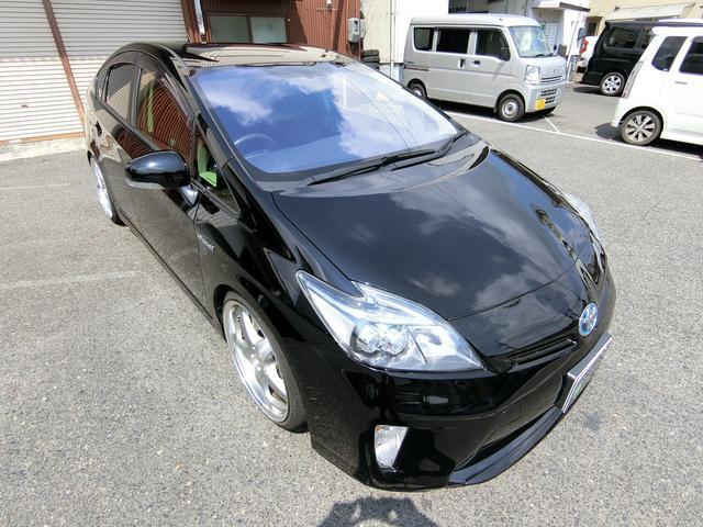 このお車はGoo鑑定車です。Goo鑑定とは、当社とは全く関係のない鑑定士が、第3者の目で車を点検して評価したものです。車は決して安くない買い物ですので、少しでも安心して頂けるようにと導入しております。