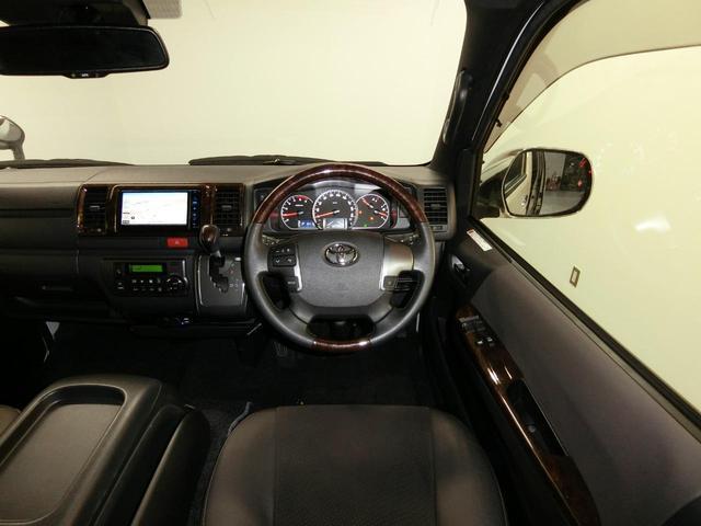 スーパーGL 50TH アニバーサリーリミテッド 4WD トヨタセーフティーセンス 両側パワースライドドア ディーゼルターボ フルセグ付きSDナビ LEDヘッドライト スマートキー プッシュスタート ホワイトレタータイヤ ABS PS PW デイトナ(5枚目)