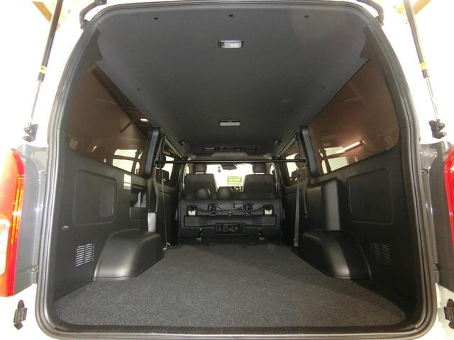 スーパーGL 50TH アニバーサリーリミテッド 4WD トヨタセーフティーセンス 両側パワースライドドア ディーゼルターボ フルセグ付きSDナビ LEDヘッドライト スマートキー プッシュスタート ホワイトレタータイヤ ABS PS PW デイトナ(10枚目)