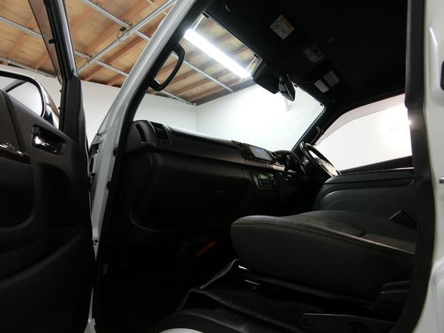 スーパーGL 50TH アニバーサリーリミテッド 4WD トヨタセーフティーセンス 両側パワースライドドア ディーゼルターボ フルセグ付きSDナビ LEDヘッドライト スマートキー プッシュスタート ホワイトレタータイヤ ABS PS PW デイトナ(71枚目)