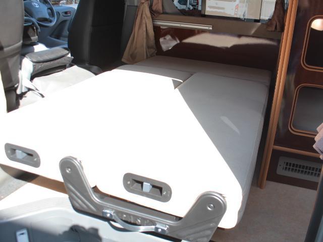 キャンピングカー リノタクミ Di 2段ベット ツインサブ(11枚目)
