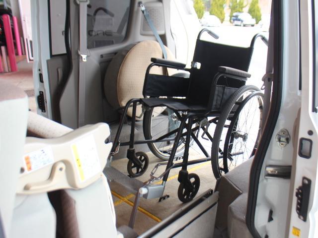 スズキ エブリイワゴン スローパー 電動ウィンチ 車いす電動固定装置