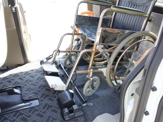 ダイハツ タント 福祉車両 スローパー リアシート付 電動固定 後退防止ベルト
