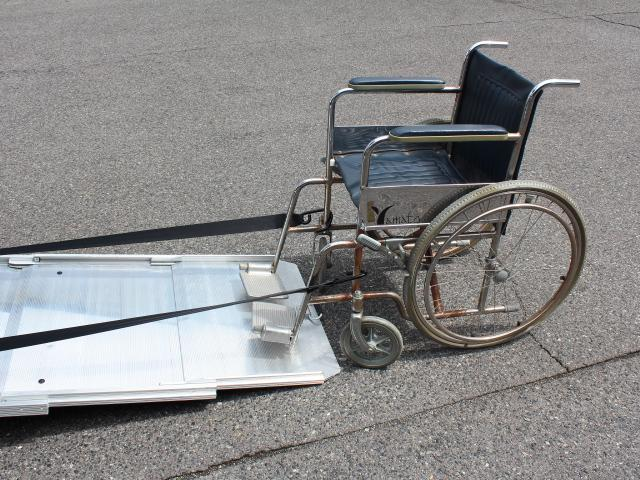 福祉車両 スローパー 車いす2基積み 電動ウィンチ 8ナンバ(4枚目)