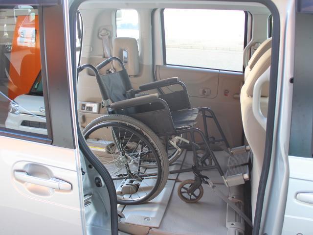 福祉車両 スローパー 車いす一基積み 4人乗車 手動固定(37枚目)
