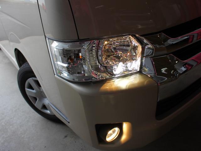トヨタオプションLEDヘッドライト装備です♪