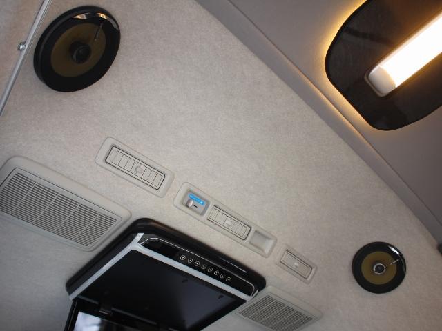 リアスピーカーで後部席でも快適に音楽の視聴が可能です♪