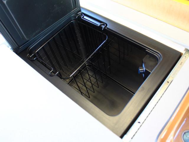 オリジナルキャンパー 4型フェイス 冷蔵庫 ツインサブBT(8枚目)