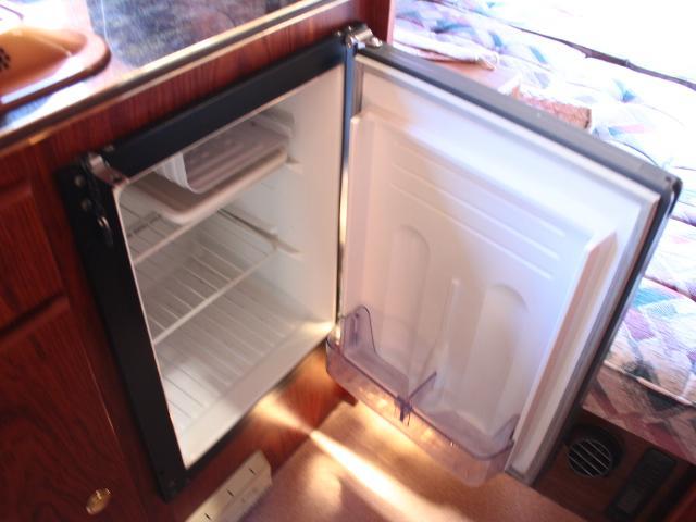 ビークル スーパーグランデ FF 温水ボイラー 2段ベッド(7枚目)