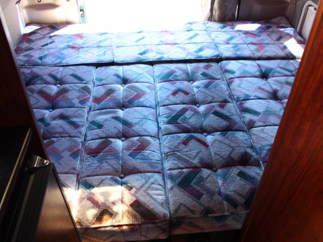 ビークル スーパーグランデ FF 温水ボイラー 2段ベッド(11枚目)