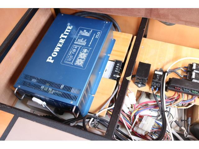 1500Wインバーター・走行充電など電装関係も充実です☆
