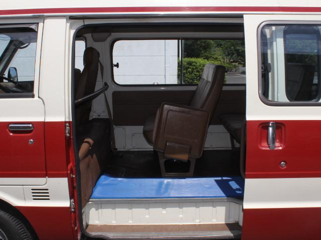ロングDX 15名乗車 昭和56年式 2ナンバー登録 純正足回り 14インチ純正鉄ホイール 実走行 リアクーラー リアヒーター(26枚目)