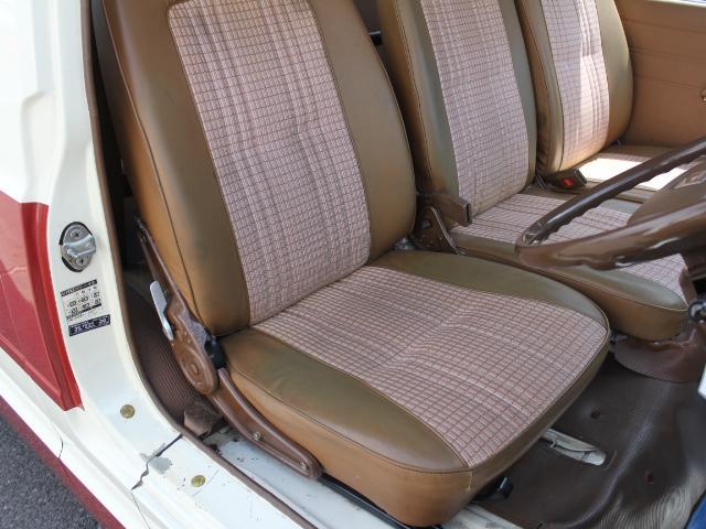 ロングDX 15名乗車 昭和56年式 2ナンバー登録 純正足回り 14インチ純正鉄ホイール 実走行 リアクーラー リアヒーター(28枚目)