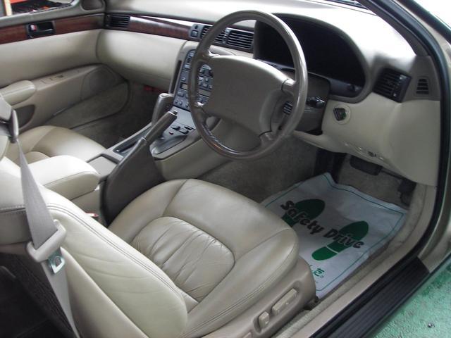 トヨタ ソアラ 4.0GTリミテッド 革シート