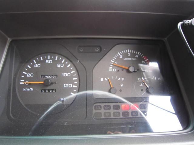 キャンピングカー 10人乗 4.2D 5速MT FFヒーター(18枚目)