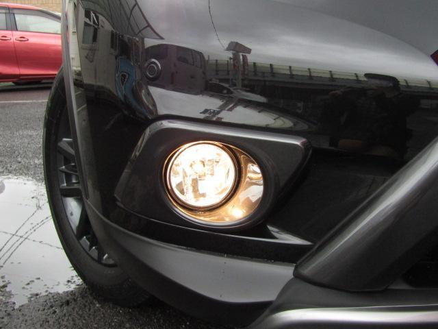 20XブラクエクストリーマXエマージェンシブレーキP /ルーフレール/切り替え式4WD/大型電動サンルーフ/メーカー純正SDナビ/フルセグ/Bluetooth/アラウンドビューモニター/オートLEDライト/Wシートヒーター/新車ワンオーナー/禁煙車/(16枚目)