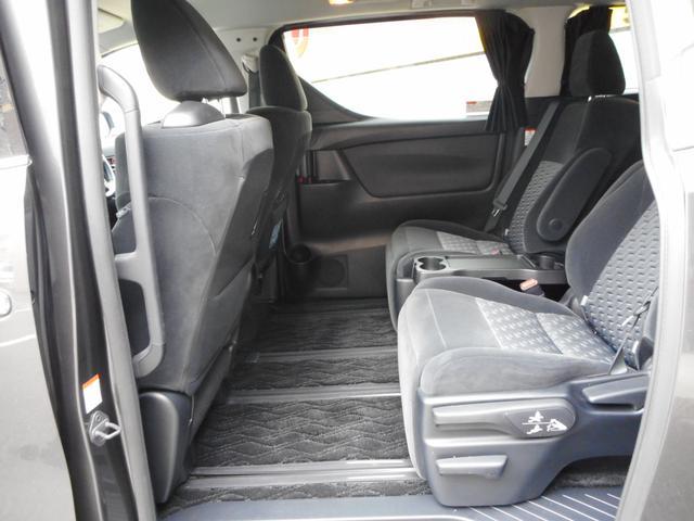 広々セカンドシート!ゆったりとしたセカンドシートで快適なドライブをお楽しみ下さい♪ルームクリーニング済みです☆